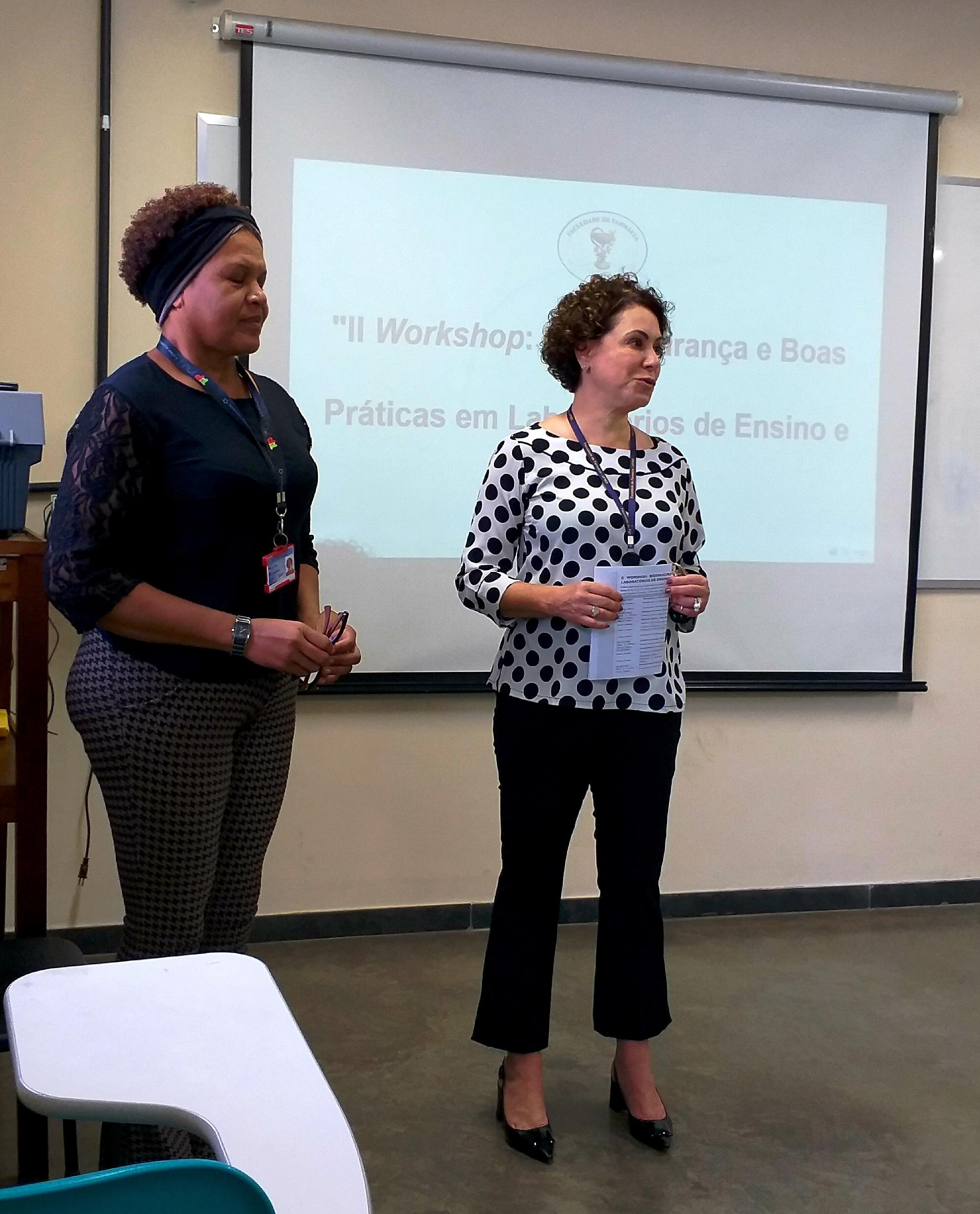 Foto 01 - Abertura Diretora Profa. Leiliane e Bióloga Mardeleine VET-UFMG