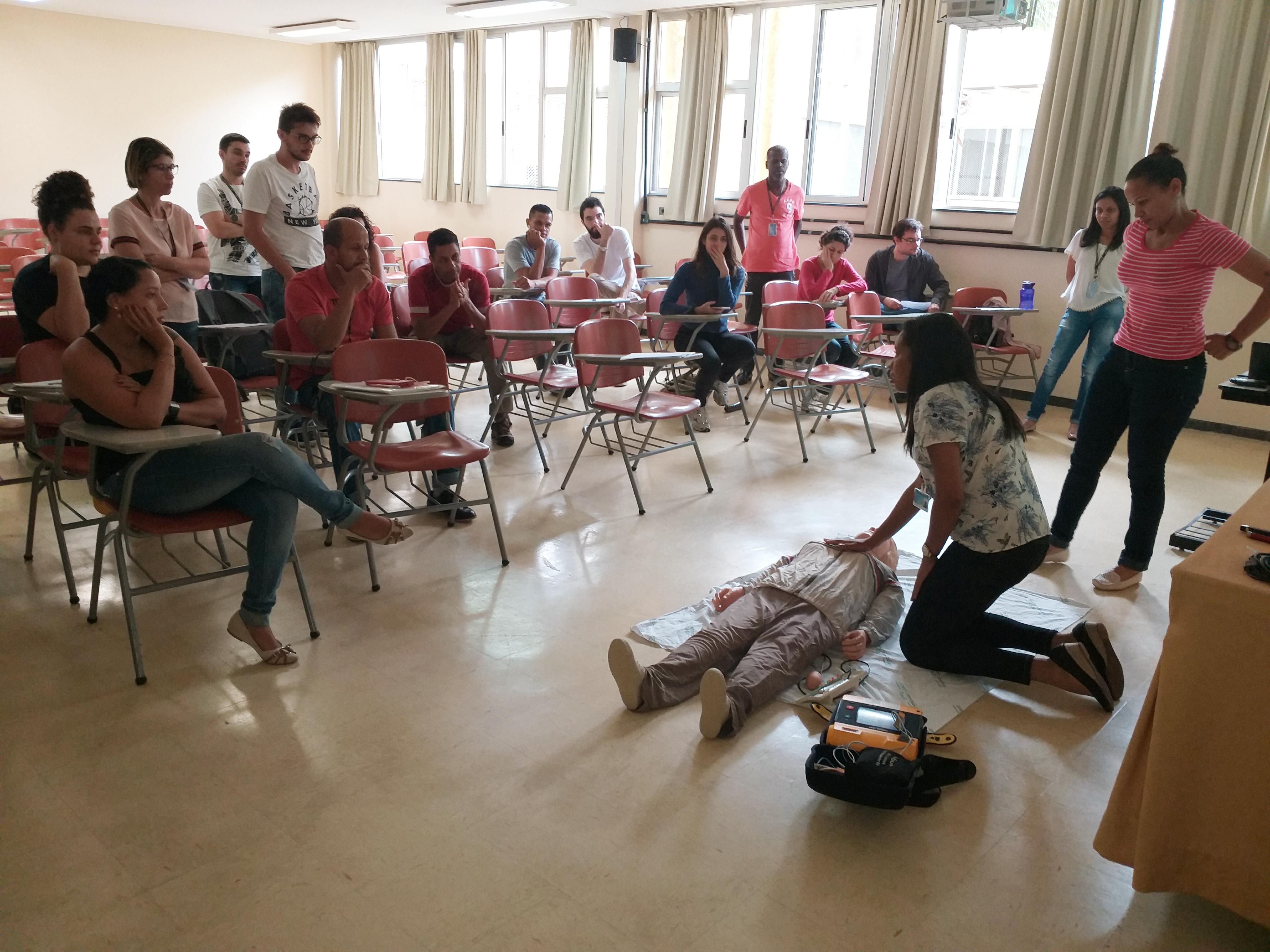 Foto 05 - Aula de Primeiros Socorros e Acidentes em Serviço