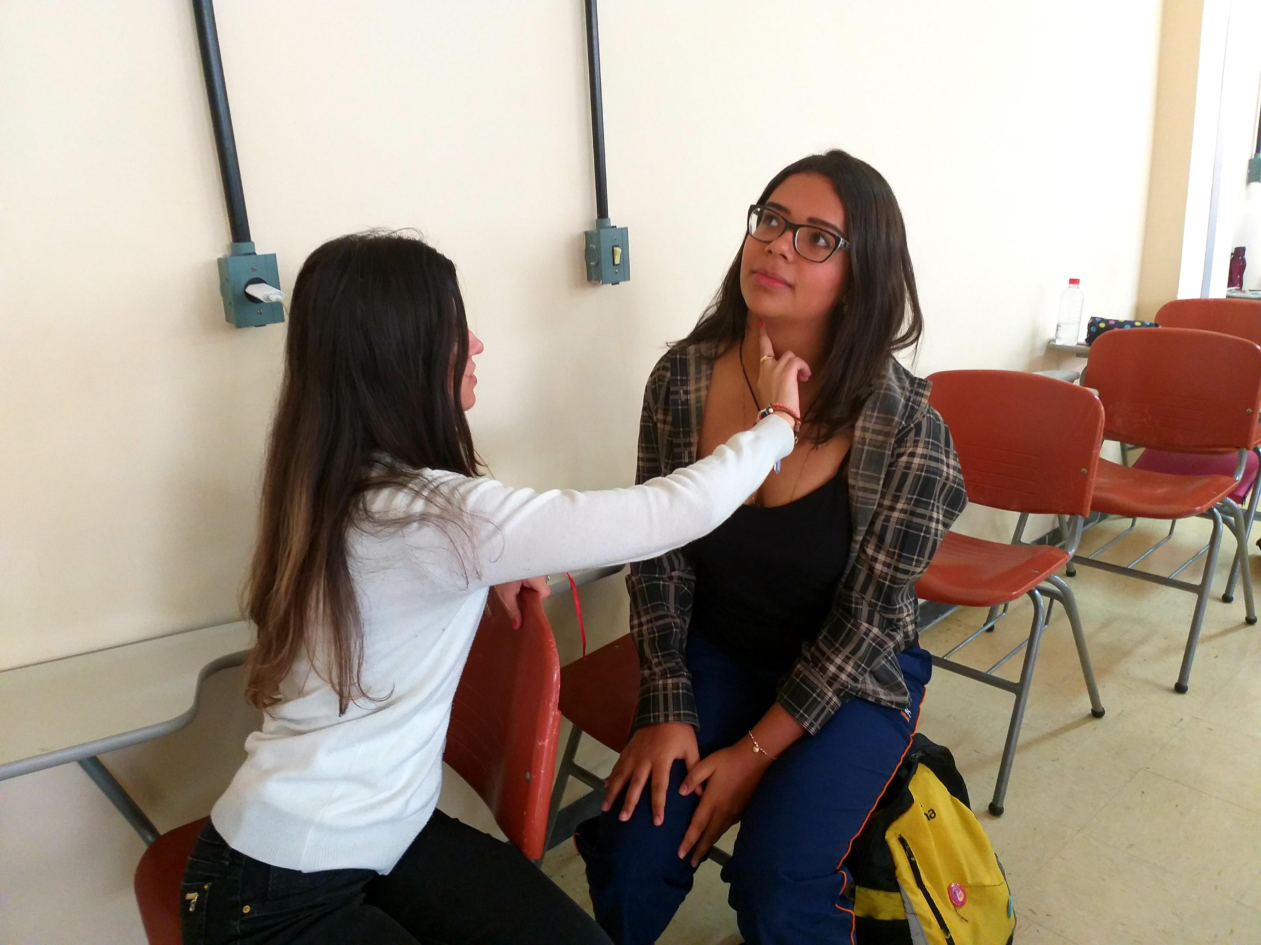 Foto 14 - Acadêmicas durante aula de Primeiros Socorros e Acidentes em Serviço