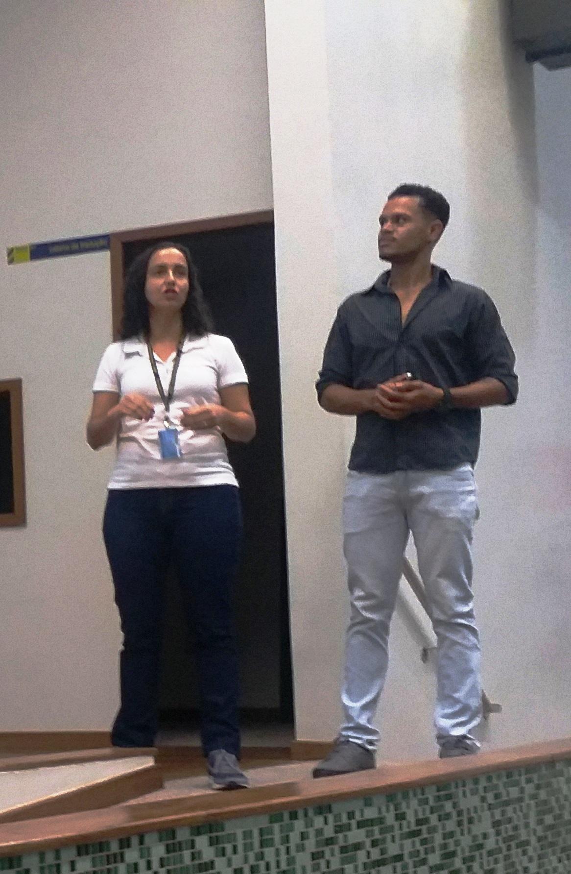 2-Engenheiros-de-formação-Ronália-e-Olavo-ministram-palestra-sobre-segregação-de-resíduos-químicos