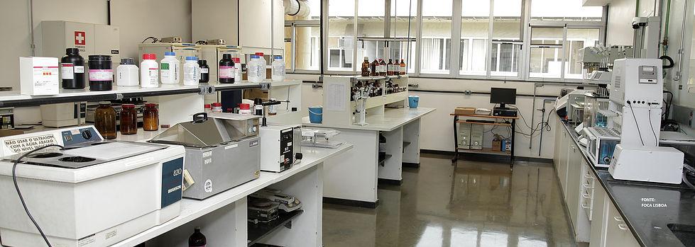 Laboratório físico-químico, cedafar, ufmg